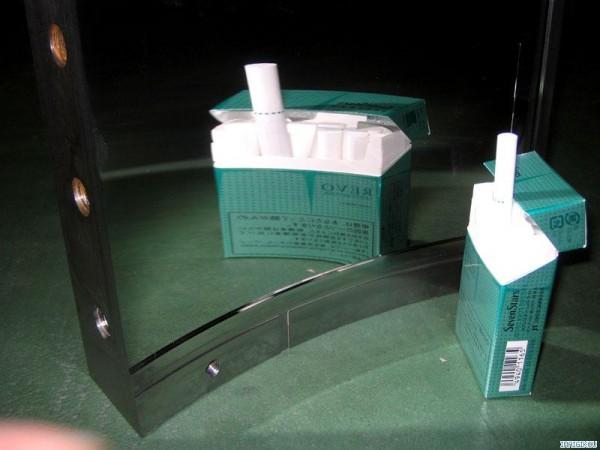 樹脂金型の鏡面仕上げは傷一つない仕上がりを求められます